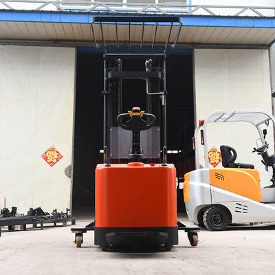 Pallet stacker (station driving) - red (with auxiliary wheels)